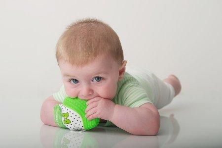 munch mitt tummy time toy