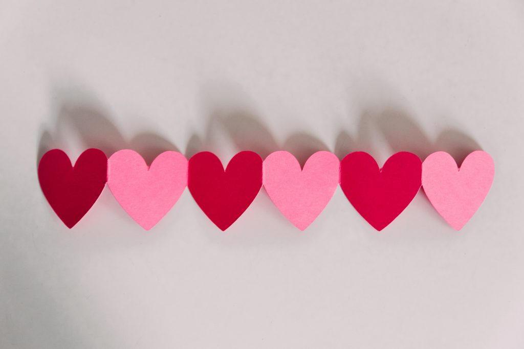 easy diy valentines day decorations that kids can make